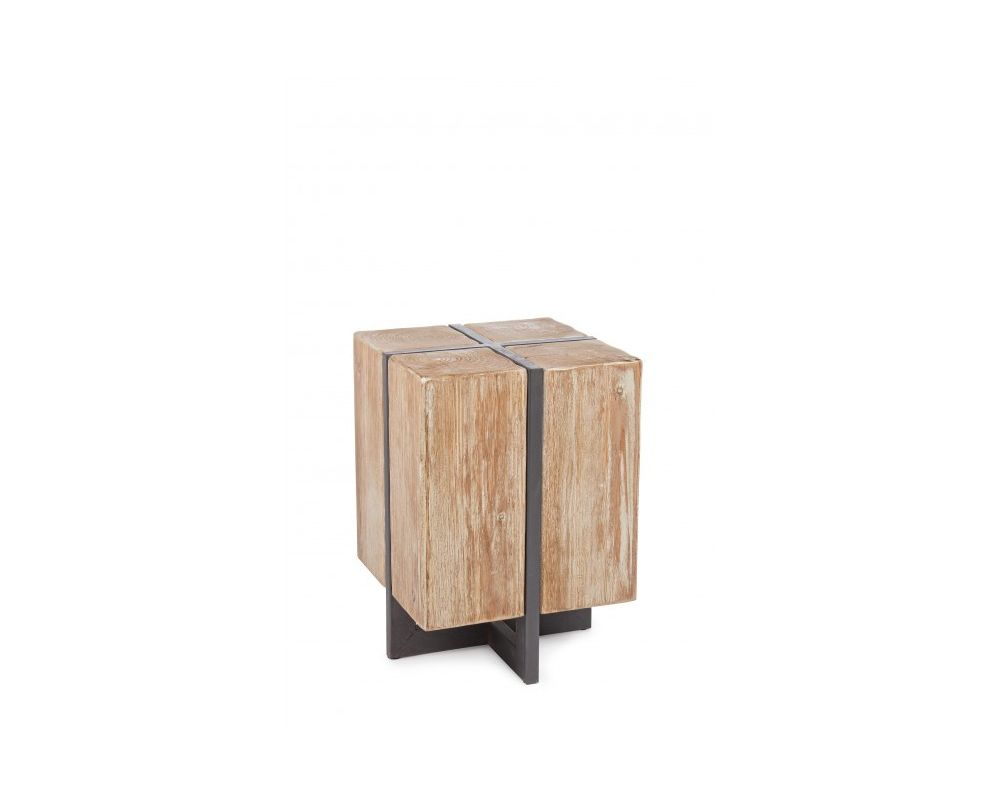 Struttura in ferro verniciata a polvere epossidica. seduta in legno